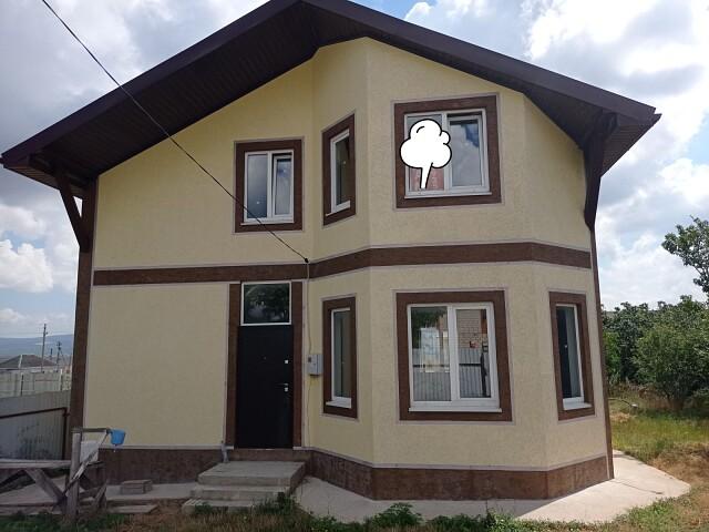 Новый дом в центре ст. Раевской.